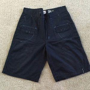 Akademiks casual shorts size 32